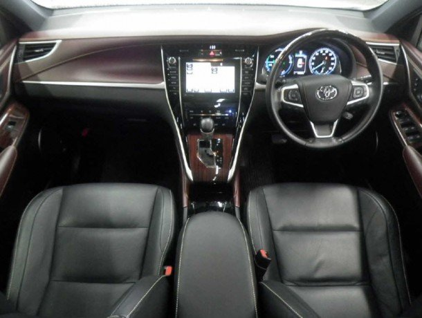 Reconditioned Toyota Toyota Harrier 2014 full