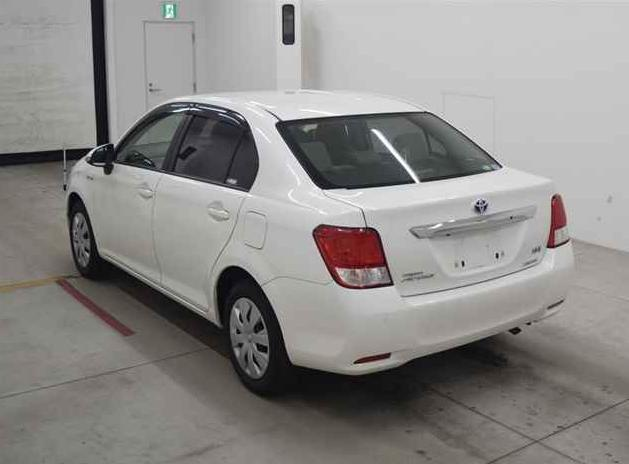 Reconditioned Toyota Axio Hybrid 2014 full