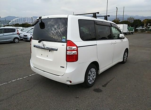 Reconditioned Toyota Noah 2014 full